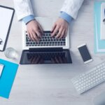 Медицина переходит на электронный документооборот: у каждого врача должна быть ЭП